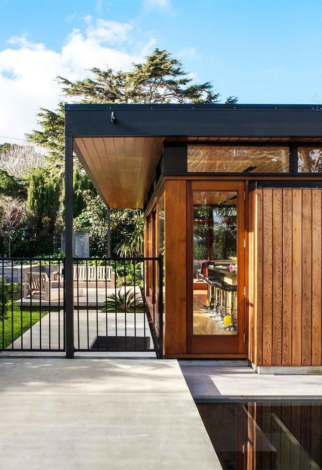 Sử dụng gỗ cứng thiết kế ngoại thất ngôi nhà