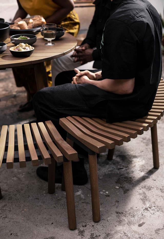 gỗ tuyết tùng sử dụng trong thiết kế nội thất với đặc điểm mềm, thớ gỗ thẳng