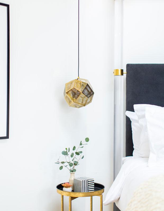 Bảng màu nâu rám nắng, trắng, be và gỗ giữ ấm là bảng màu tuyệt đẹp khi tiến hành thiết kế nội thất theo phong cách California
