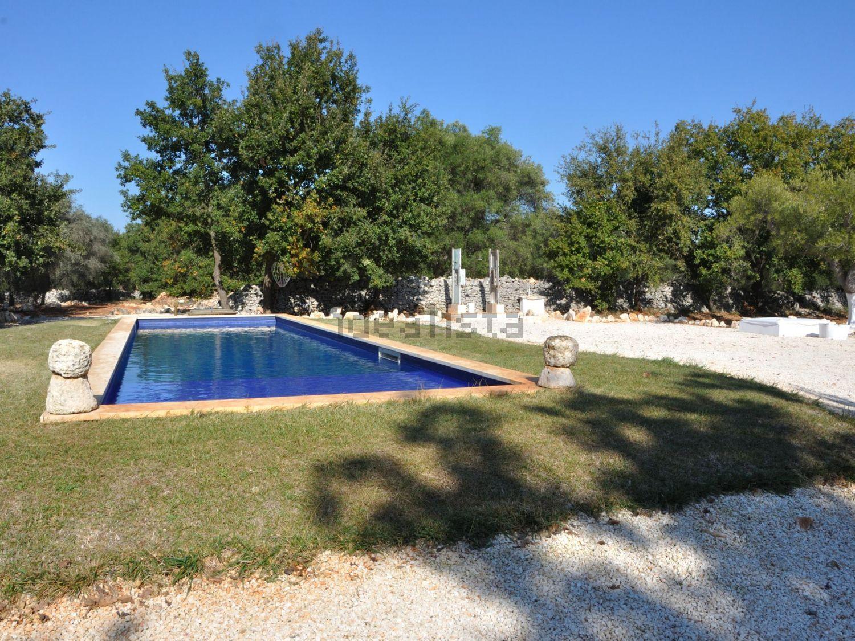 Immagine Piscina di  villa su Ostuni