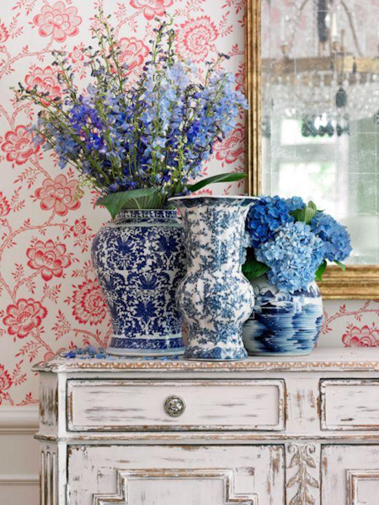 Trang trí nhà cửa với tông màu xanh sứ