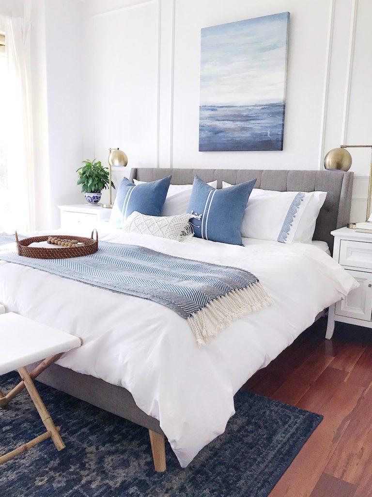 Lý do nên thiết kế phòng ngủ màu xanh đậm