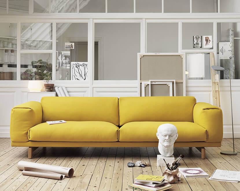 Ghế chunky sofa vàng thu hút ánh nhìn