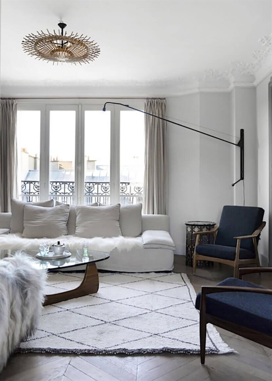 Ghế chunky sofa, sofa đơn và bàn trà Noguchi cho một phòng khách hoàn hảo