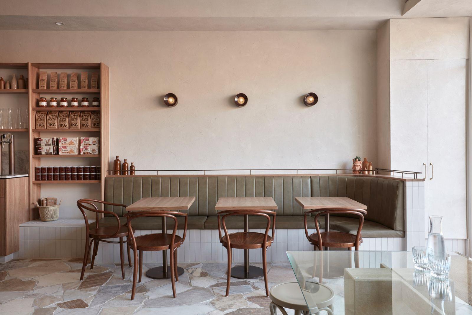 Lạc lối trong không gian nội thất quán cafe đậm chất ý