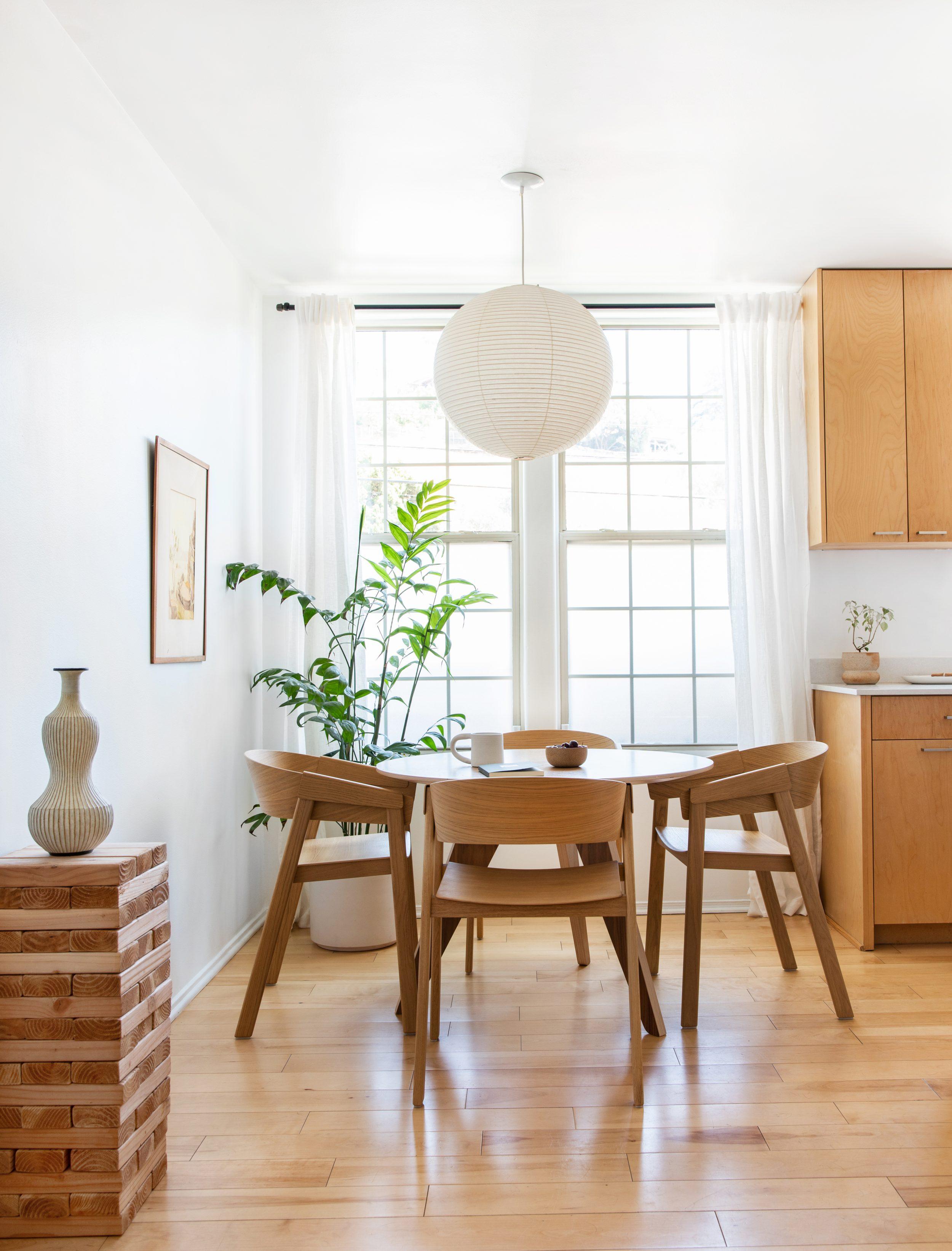Tham Quan Nhà: Nơi Ở Mới Của Mel Sẽ Khiến Bạn Muốn Cải Tạo Nhà Ngay Lập Tức