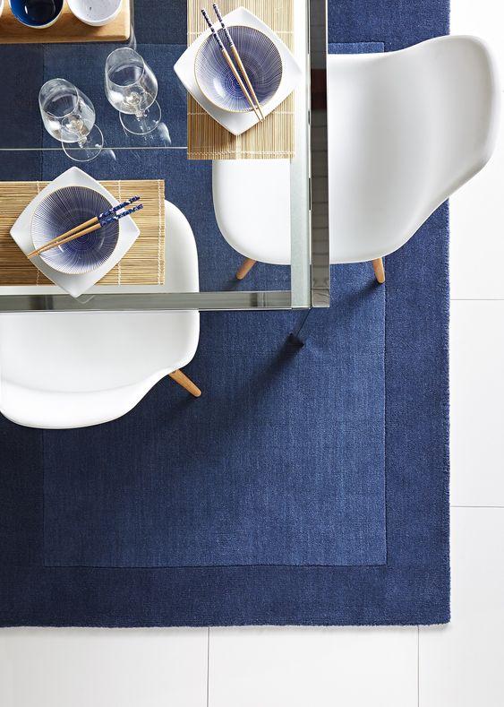 Thảm trải sàn màu xanh cổ điển