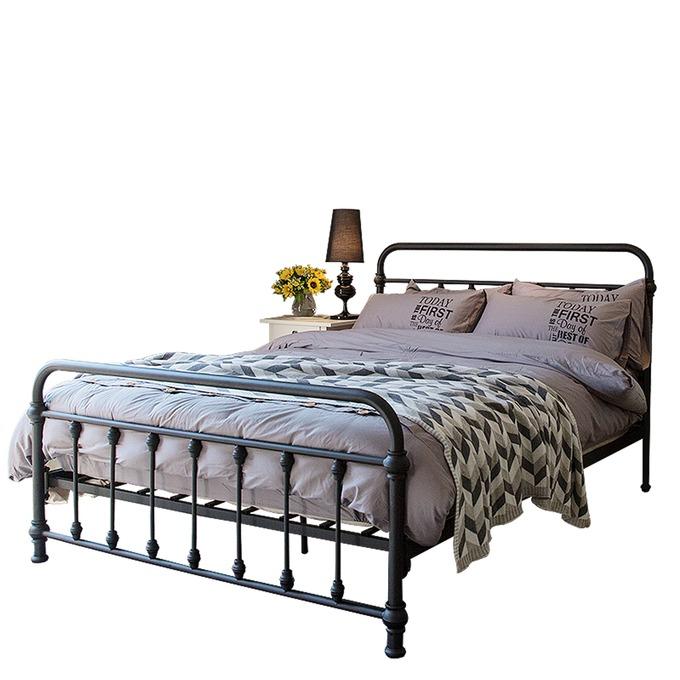 giường sắt phong cách industrial